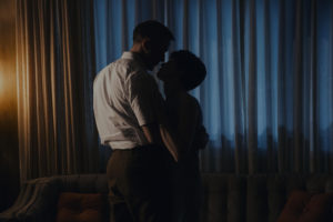 Ryan Gosling and Claire Foy in FIRST MAN ©Universal Pictures