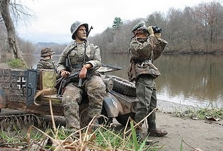 Soldiers searching for the enemy at Marwencol